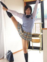 Ageha Yagyu Asian takes school uniform off showing flexibility