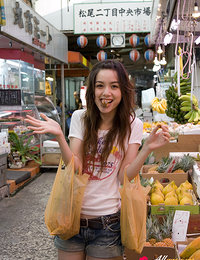 Rola Chung Asian goes to buy fruits that keep her in such shape